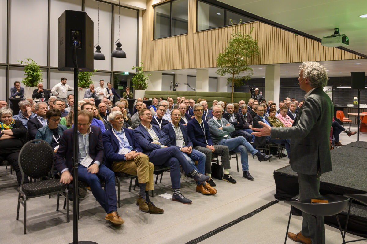 Lokale initiatieven delen kennis en ervaring met elkaar en met overheden op Kennisfestival Lokale Energie Overijssel