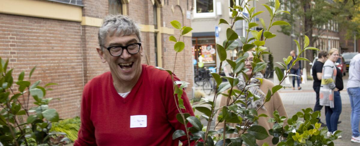 45 buurtinitiatieven uit Zwolle vergroenen straat tijdens Burendag